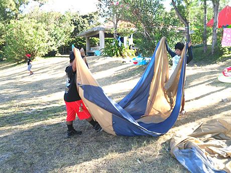 テント張りや片付けもみんなで協力すれば簡単!